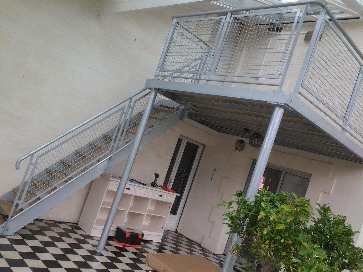 escaliers garde corps mezzanines smg bordeaux quipements m talliques portails escaliers. Black Bedroom Furniture Sets. Home Design Ideas